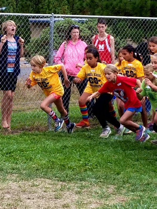 Schnell Bocats Cross Country runners
